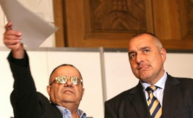 Борисов: Ще уволня Божидар, ако президентът отзове посланиците