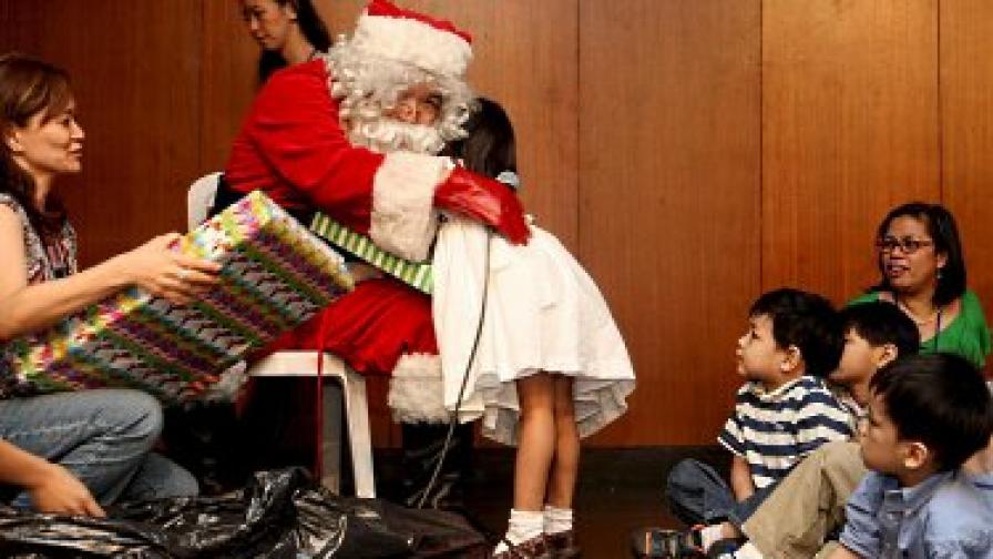 Не и в скута на Дядо Коледа