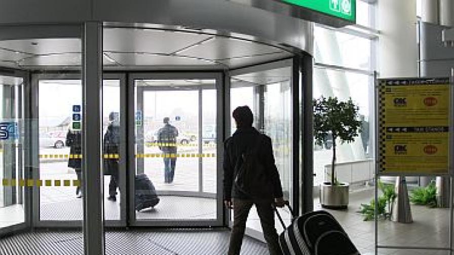 Още седалки за чакащите дълго на летище София