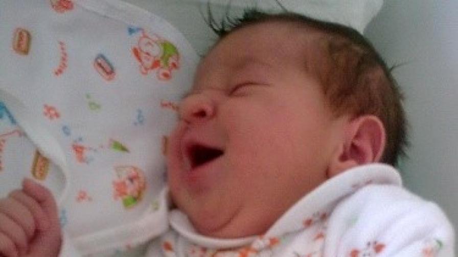Малката Василена стана бебе на 2010 г.