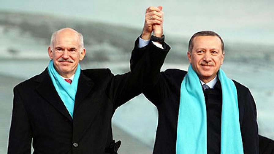 Ердоган: Нека гърците си построят стената на границата