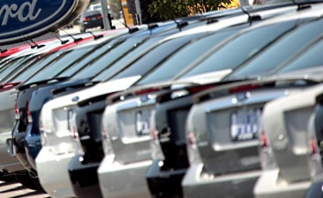 Търговците на автомобили оставят големите отстъпки от цената в историята