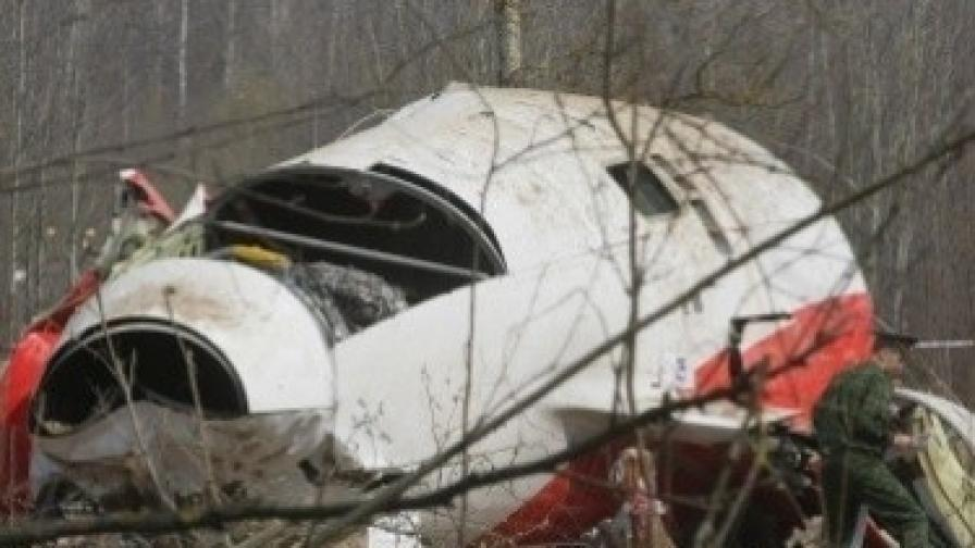 """Останки от катастрофиралия полски правителствен самолет """"Ту 154"""""""
