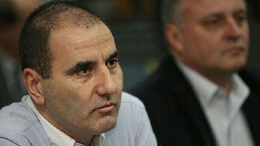 Критики към вътрешния министър след трагедията в Кърджали