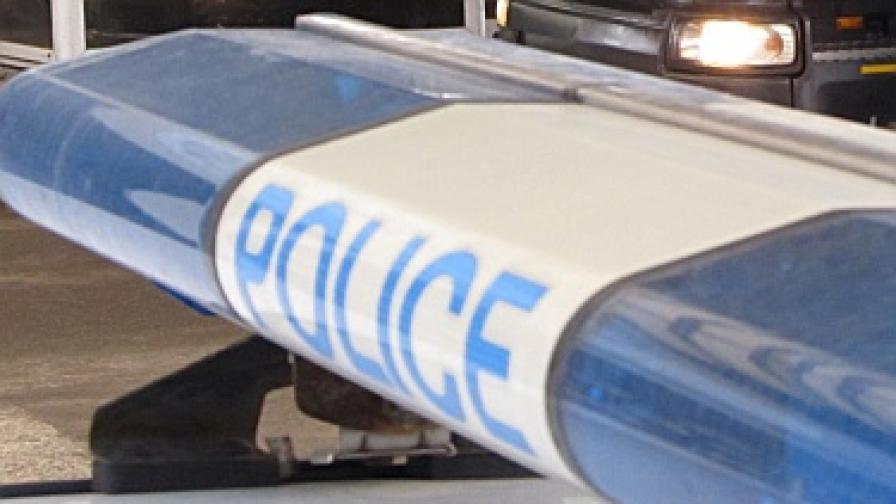 Баща и синове стрелят по кмет, опитал да ги спре по време на кражба