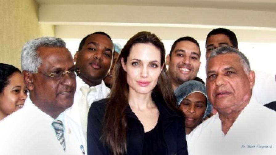 Анджелина Джоли избра дете от Хаити