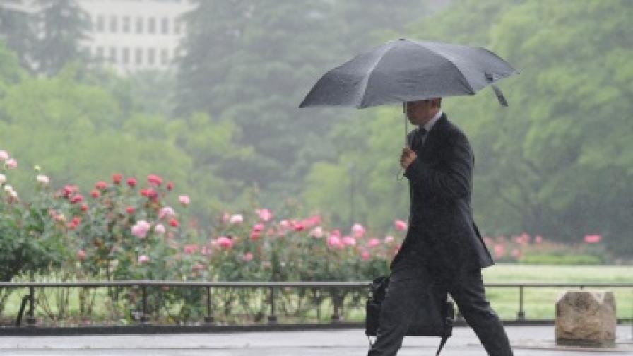 Дъжд и облачно време в цялата страна