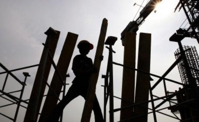 АЗ: Безработицата без промяна от януари