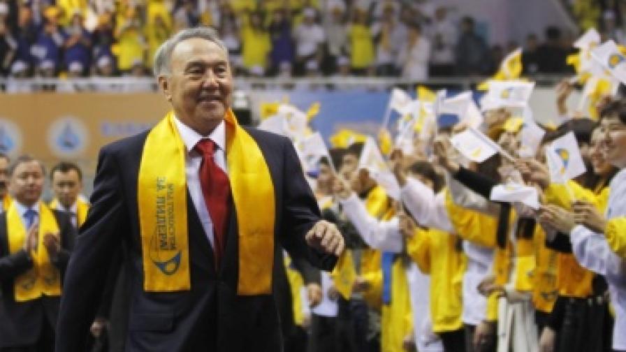 """""""Стоманеният"""" президент на Казахстан"""
