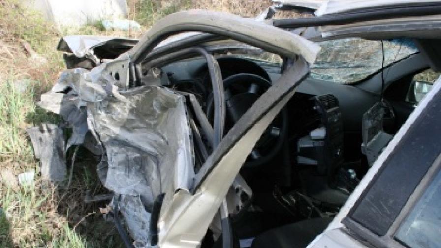 Трима души загинаха при катастрофа край Севлиево
