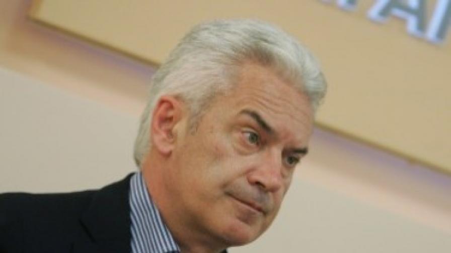 Сидеров: Трайков е политически отговорен за подписа
