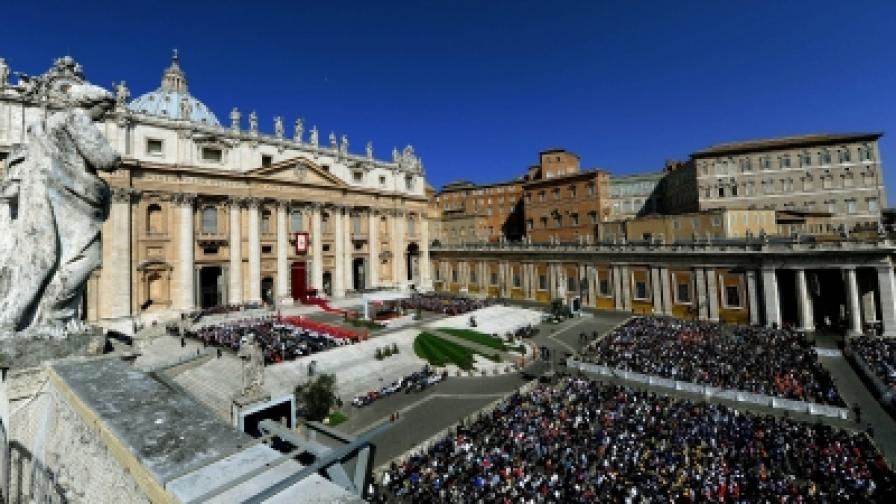 Папата: Човек не може да е всемогъщ като Бога