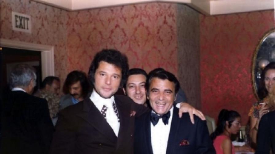 Стефан Апостолов (A.C. Stephens)- в дясно, с един от любимите си актьори Харви Шейн