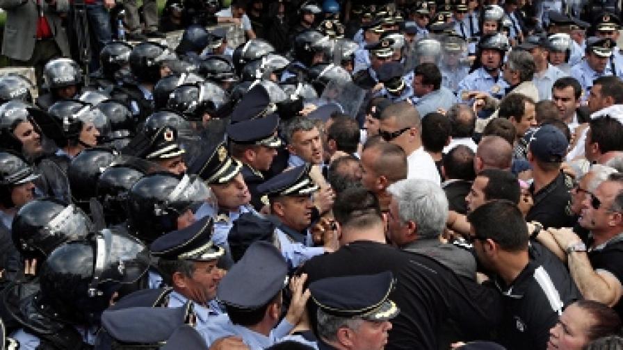 Караниците в Албания отказаха Барозу