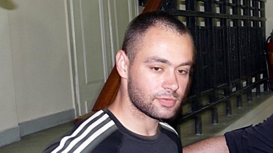 Шуменският полицай участвал в обира заради сестра си