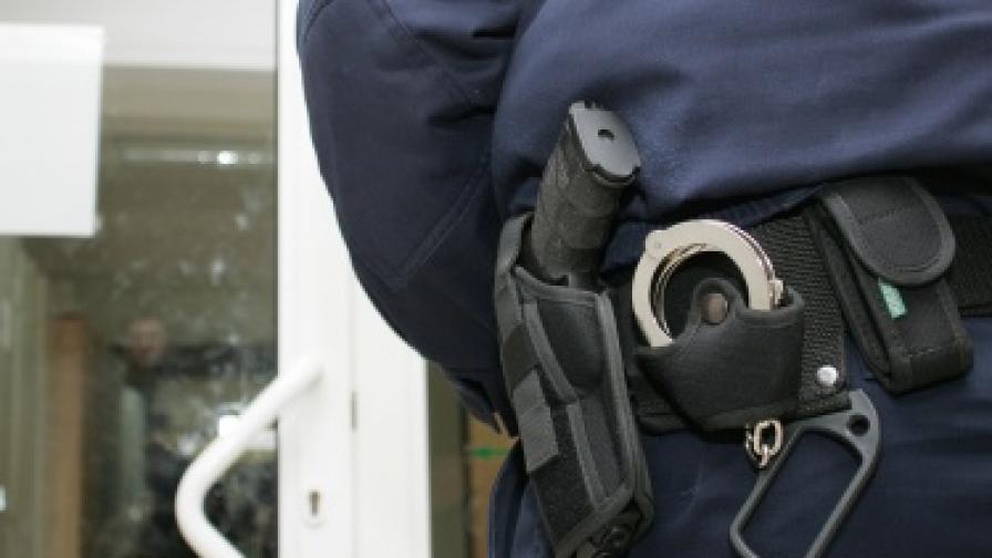 Полицаи нахлуха погрешка, Цветанов се извини