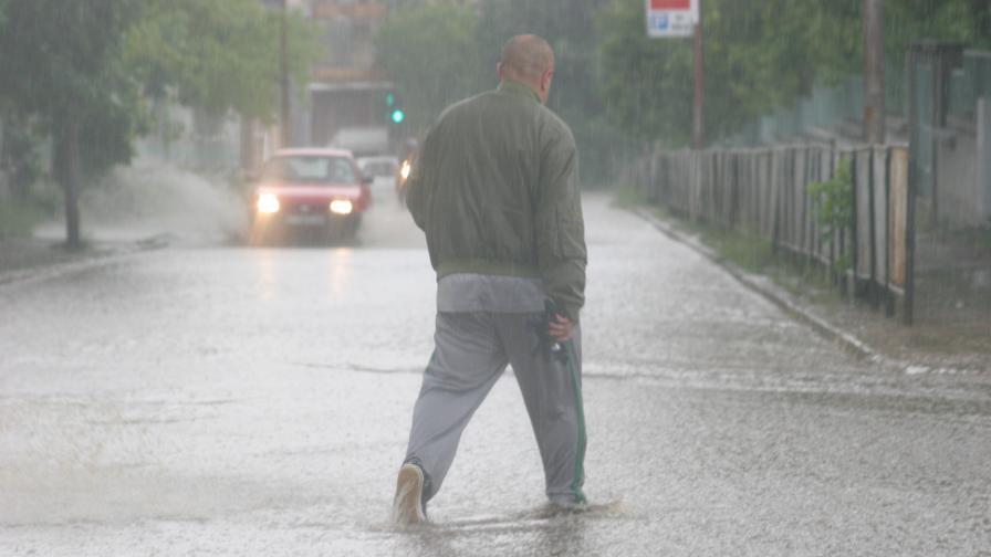 Щети в Силистренско и Казанлък след пороен дъжд
