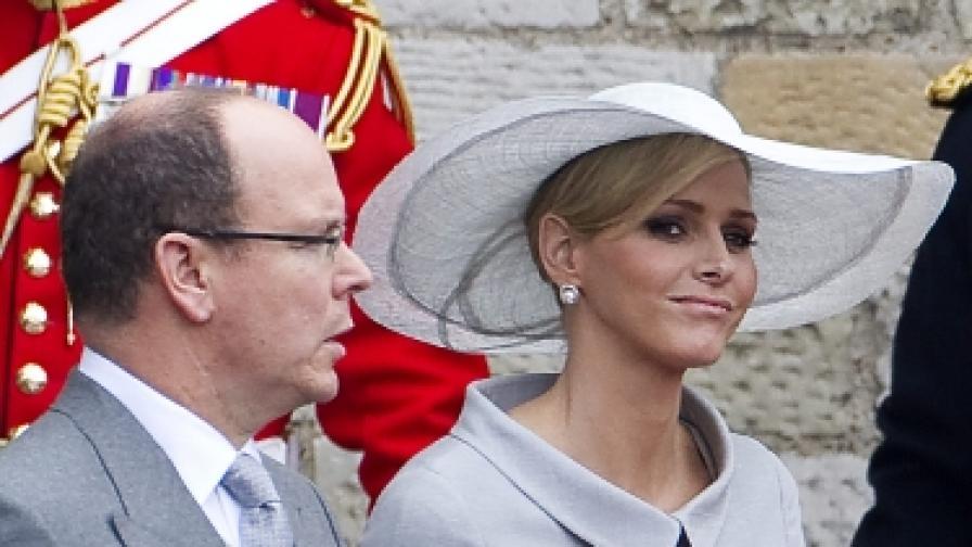 Княз Албер Втори и южноафриканската плувкиня Чарлийн Уитсток бяха сред гостите на кралската сватба на принц Уилям и Кейт Мидълтън