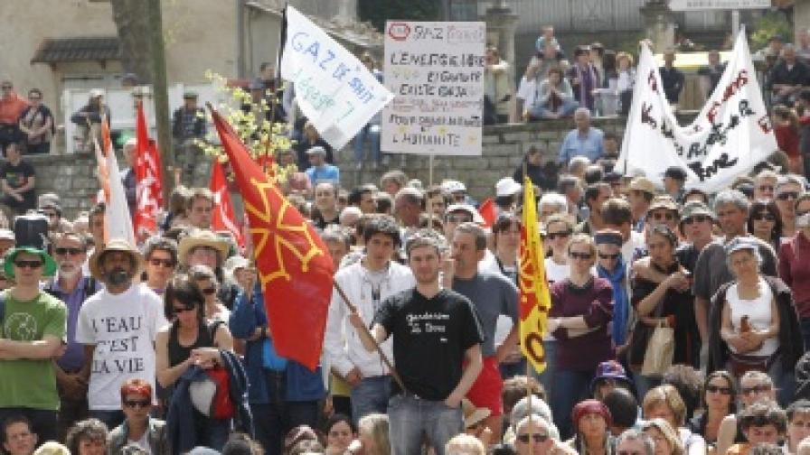 Франция забранява технология за добив на шистов газ
