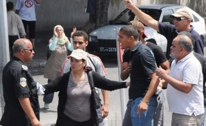 Вълна от насилие в Тунис цели да спре изборите