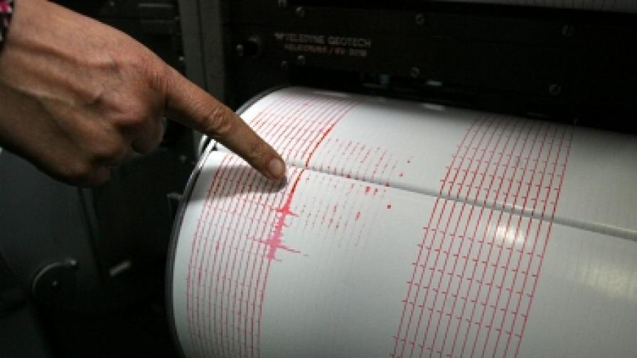 Земетресение срина къщи и уби хора в Узбекистан
