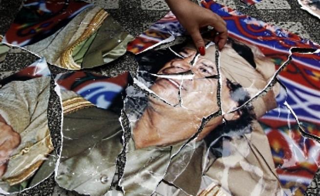 Бунтът в Либия ще насърчи арабските въстания, но не е пример за подражание