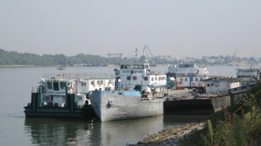 Ниски води блокират кораби по Дунав