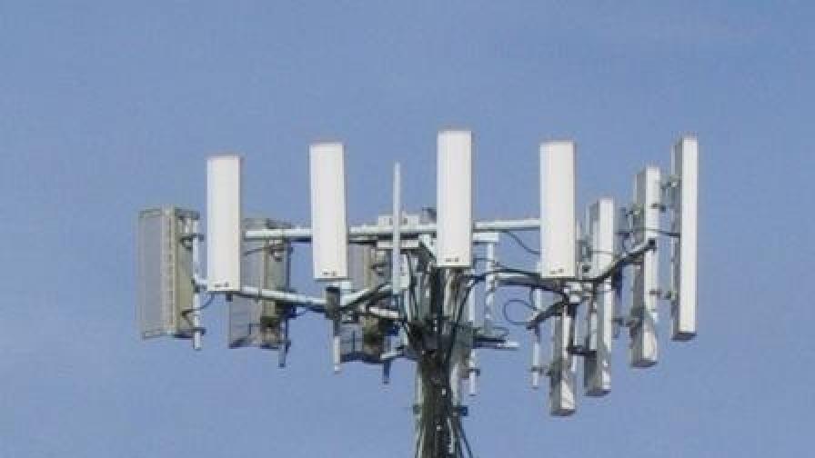 Хиляди без мобилни телефони в Лос Анджелис