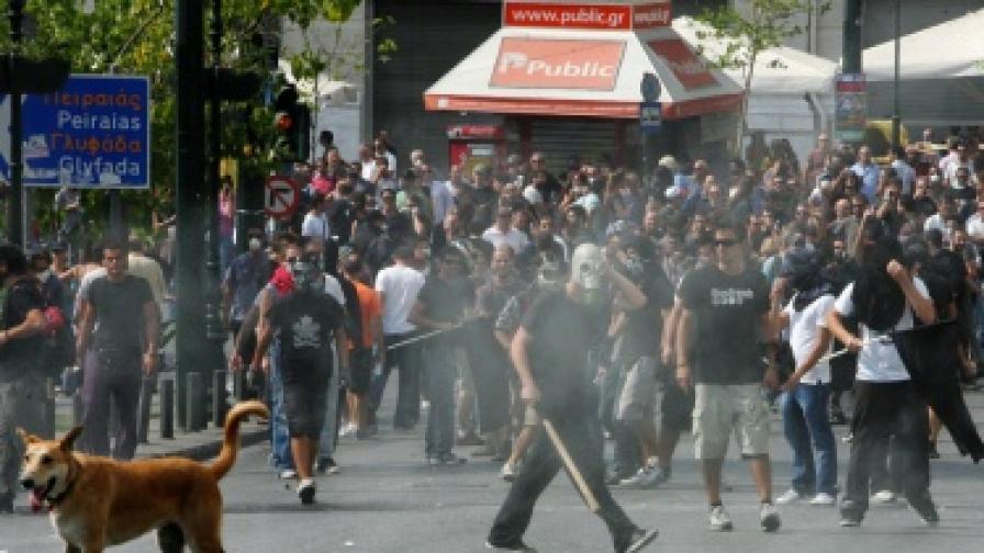 Гърция парализирана от стачка