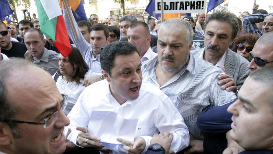 Яне Янев ще разкрива поръчкови социолози в деня на изборите
