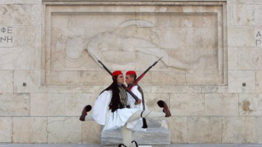 Гръцки министър: Положението ни е отчайващо