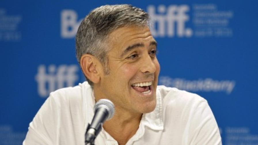 Джордж Клуни: Приятно ми е - Шварценегер