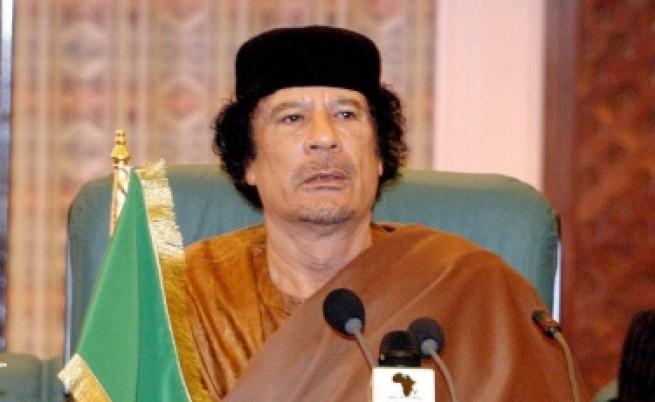 Триполи: Кадафи събира наемници и готви бунт