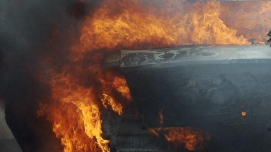 Над 100 жертви при експлозия на гориво в Сирт