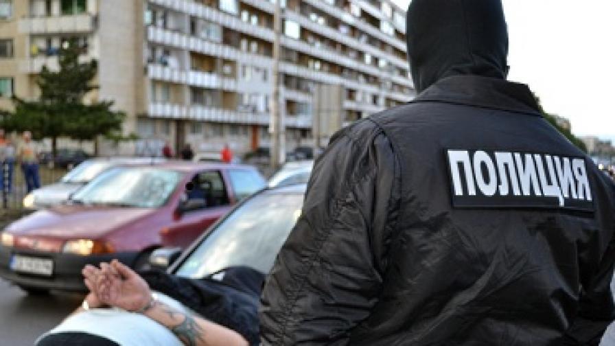 МВР арестува иранец с опиум за 400 хил. лева