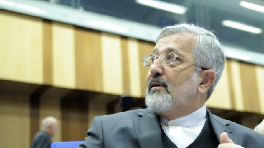 """Постоянният представител на Иран в МААЕ Али <br /> Асгар Солтание заяви, че санкциите са """"историческа грешка"""""""