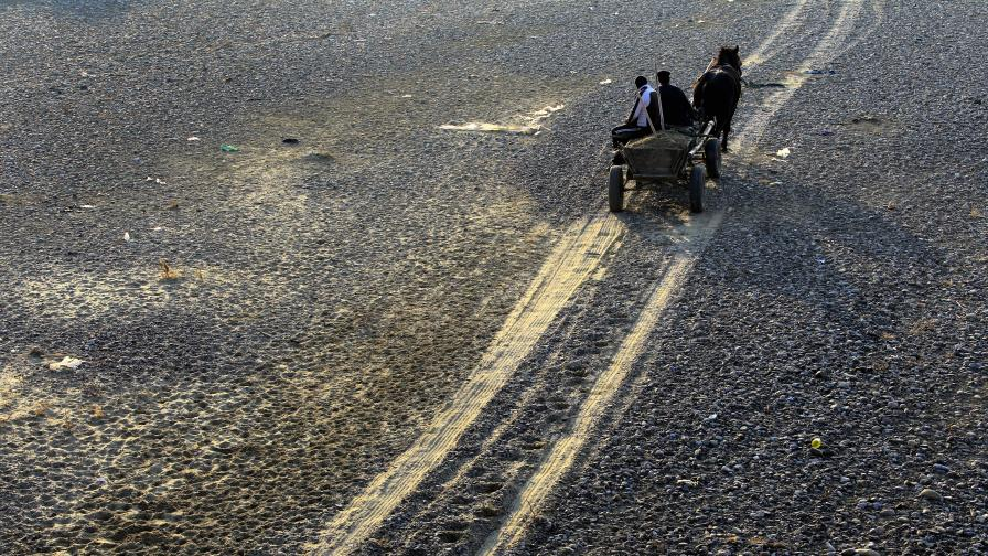 Необичайна суша предизвиква тревога на Балканите и заплашва посевите