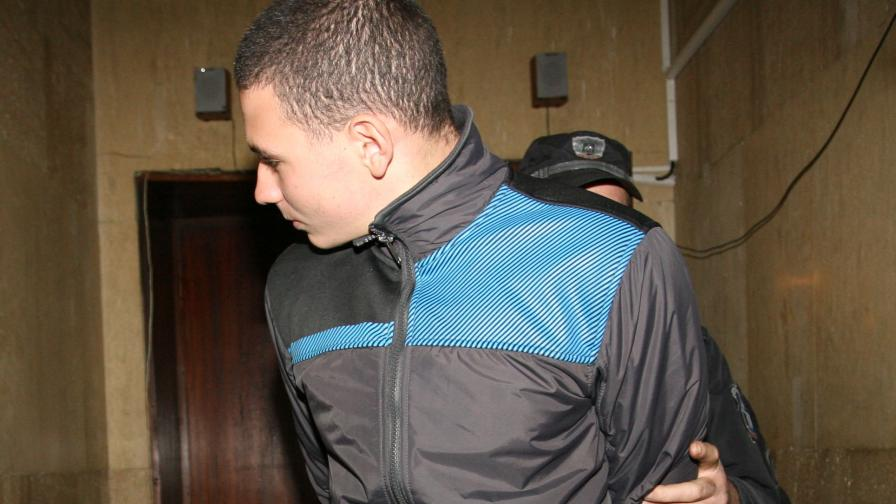 "Изписаха пребития Андрей от ""Пирогов"""