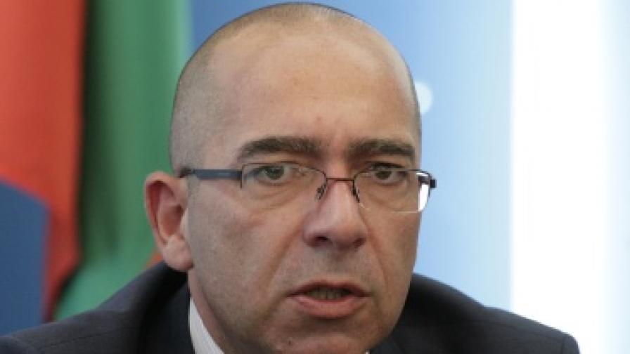 """Здравният министърът очаква още оставки в """"Шейново"""""""