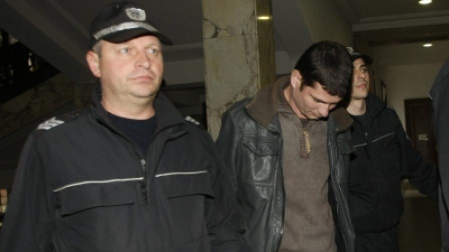 Водят Юлиан Ковачки в съда