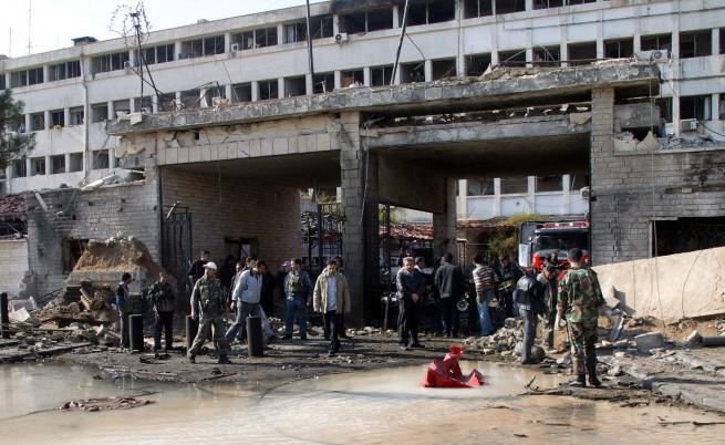Десетки жертви при двоен атентат в Сирия