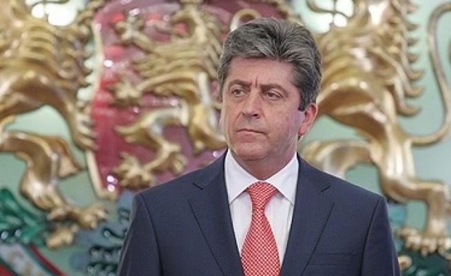 Първанов: През 2012 г. да надвием пошлостта и агресията!