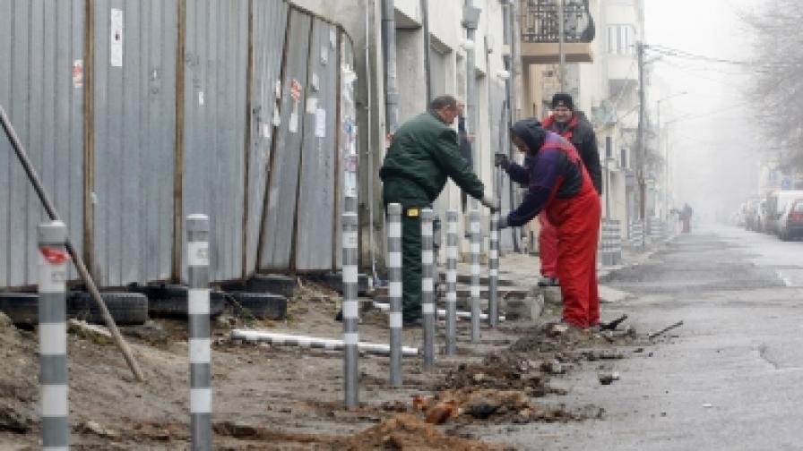 Ще ремонтират 25 км. тротоари в София