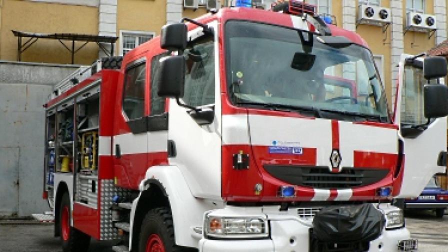 Запалиха две коли на полицай от Пловдив