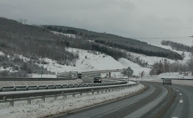 Обстановката по пътищата е нормална за зимни условия