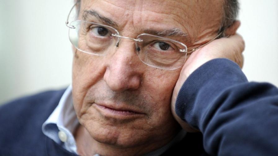 Известният гръцки режисьор Тео Ангелопулос почина след пътен инцидент