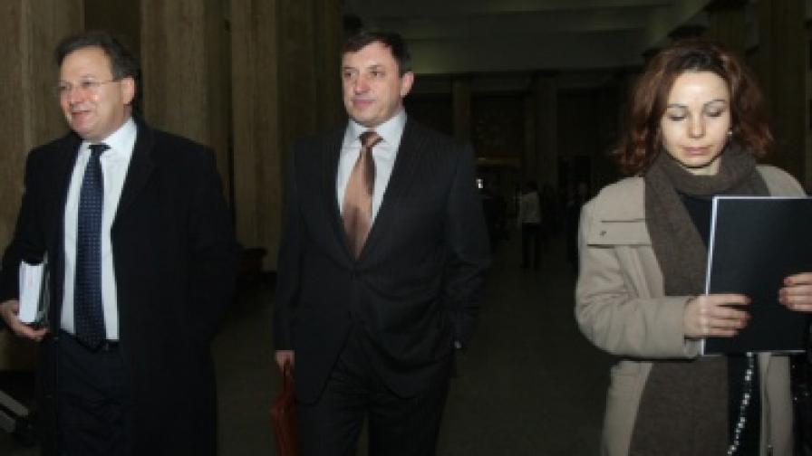 Алексей Петров пристига в съдебната палата за заседанието на съда