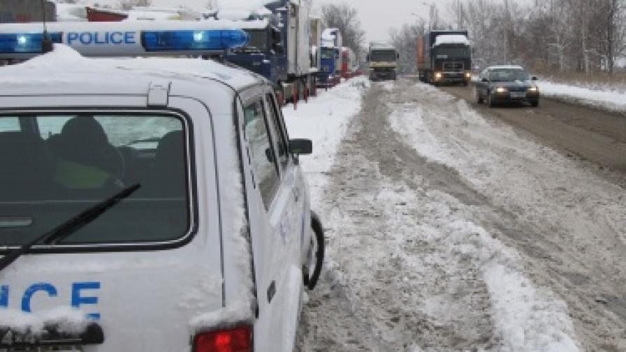 Полицаи преследваха и стреляха по трактор в София