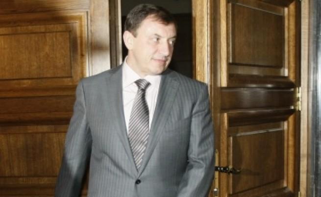 Свидетел: Алексей Петров е амбициозен, смел, агресивен и алчен
