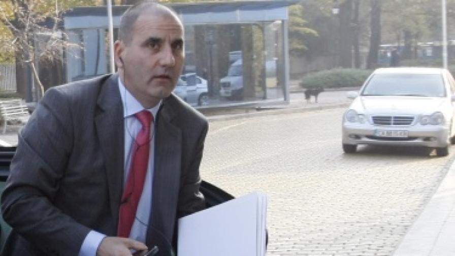 Цветанов: Усилията са насочени към укрепване на дигите
